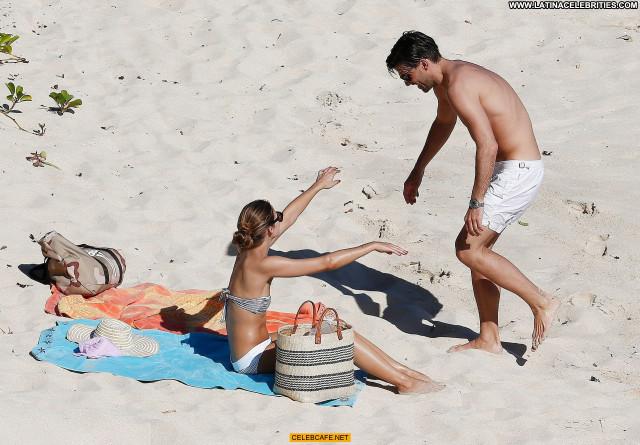 Olivia Palermo The Beach Beautiful Celebrity Bar Posing Hot Babe Bra