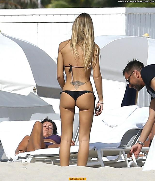 Laura Cremaschi No Source  Sexy Babe Bikini Sex Posing Hot Black