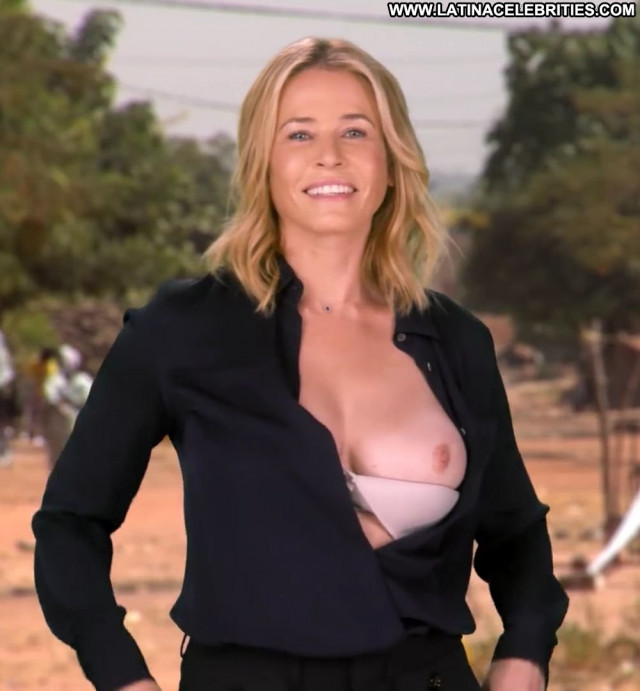 Chelsea Handler No Source Posing Hot Bra Hd Smile Celebrity Bar Babe