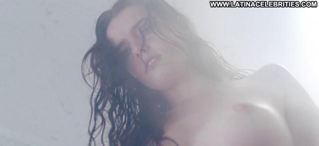 Roxane Mesquida Kiss Of The Damned Beautiful Nude Posing Hot Sex
