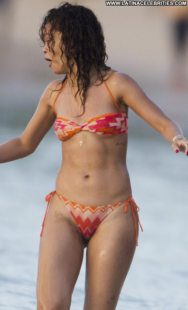 Rihanna The Weekend Bar Wet Beautiful Happy Bikini Celebrity Babe Hot