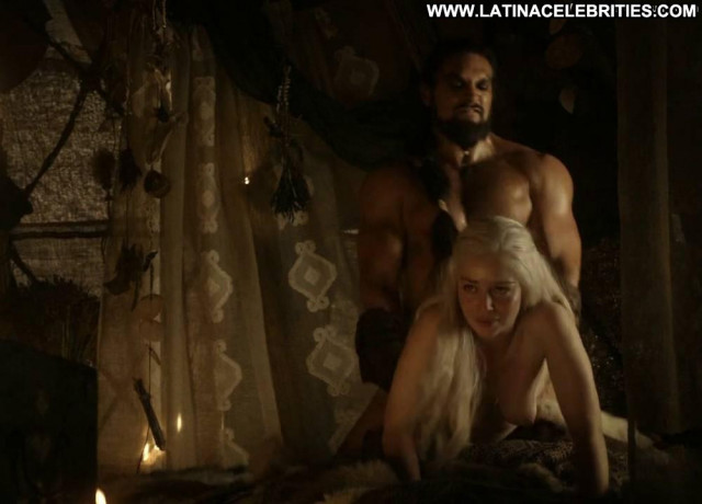 Emilia Clarke Game Of Thrones Toples Nude Babe Beautiful Big Tits
