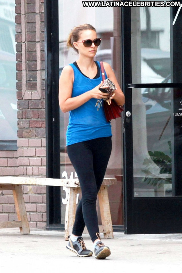 Natalie Portman No Source Posing Hot Paparazzi Celebrity Beautiful