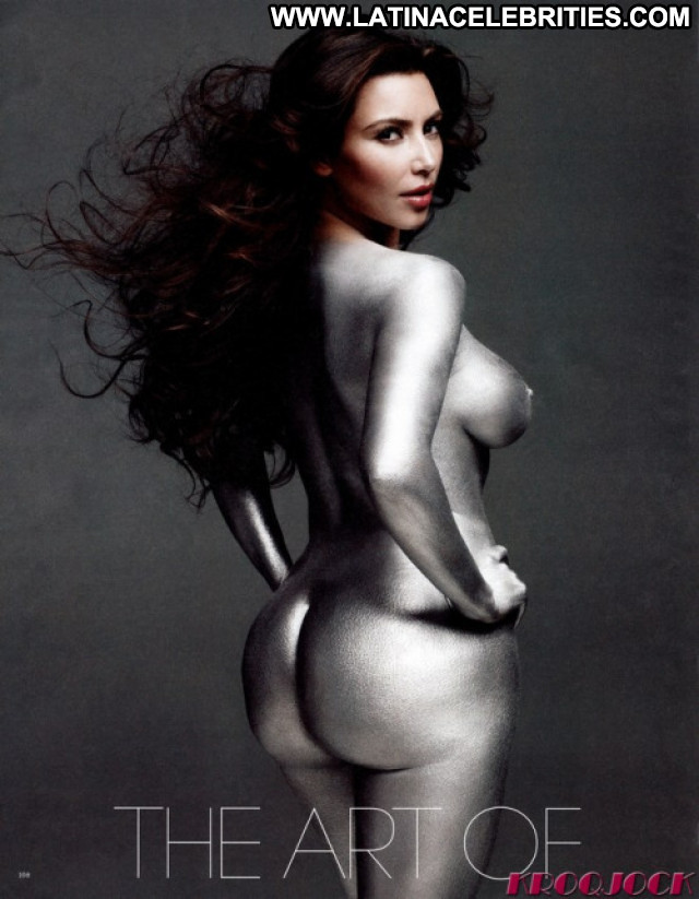 Kim Kardashian Babe Beautiful Football Reality Posing Hot Live Famous
