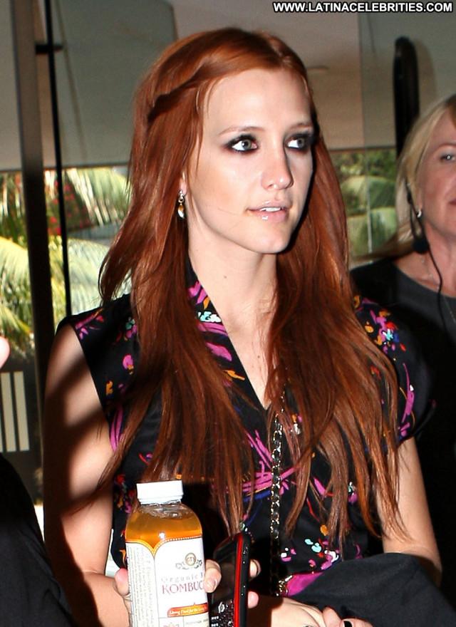 Ashlee Simpson Beverly Hills Beautiful Hotel Babe Hot Candids