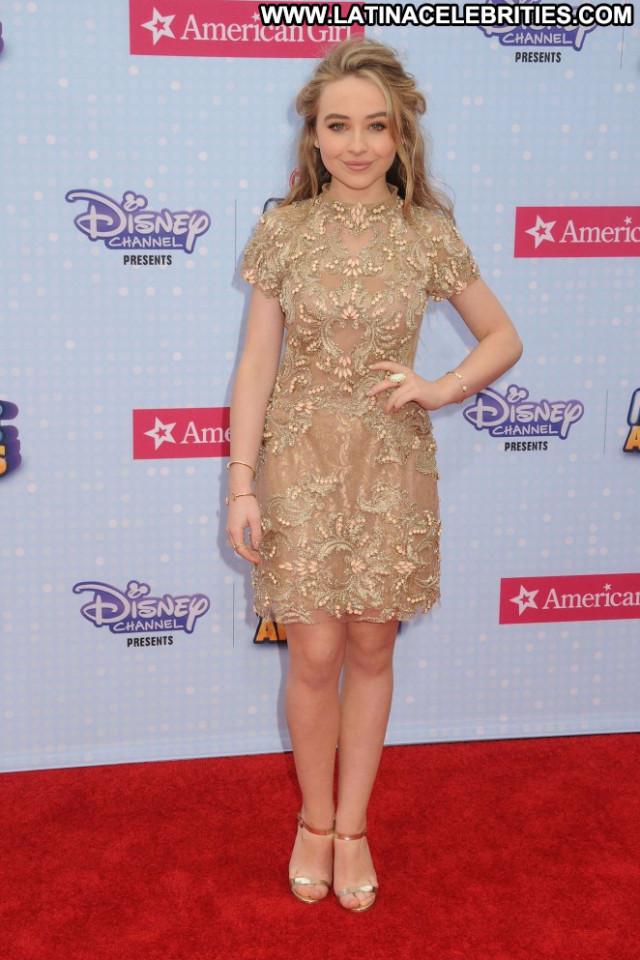 Sabrina Carpenter No Source Posing Hot Babe Awards Car Beautiful