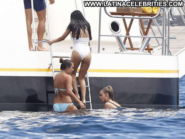 Selena Gomez Beautiful Babe Paparazzi Celebrity Candid Candids Bikini