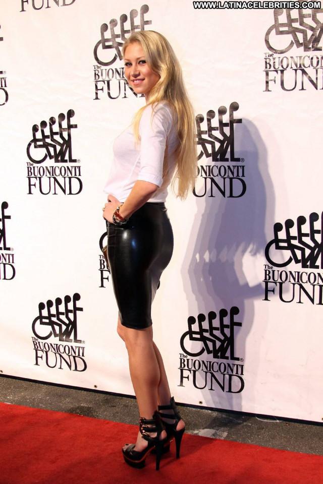 Anna Kournikova Celebrity Paparazzi Beautiful Fashion Posing Hot Babe