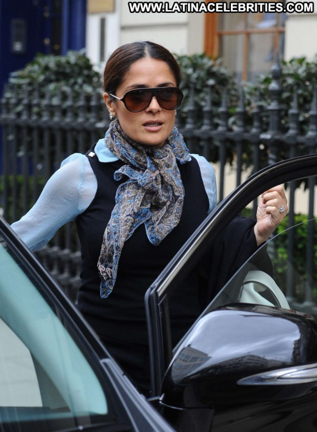 Salma Hayek Posing Hot Celebrity Beautiful London Paparazzi Babe
