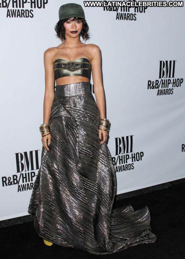Zendaya Coleman Paparazzi Celebrity Beautiful Babe Posing Hot Awards