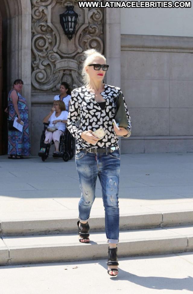 Gwen Stefani Beautiful Celebrity Paparazzi Posing Hot Church Babe