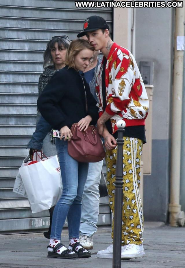 Lily Rose Depp No Source Babe Jeans Paparazzi Celebrity Paris Posing