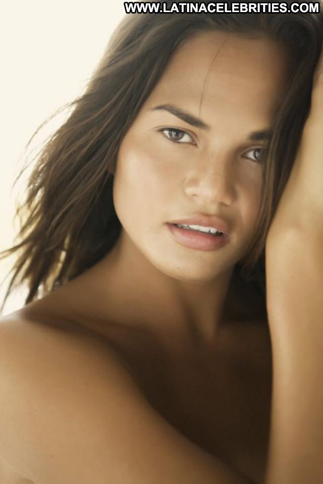 Chrissy Teigen No Source Nude Beautiful Posing Hot Photoshoot
