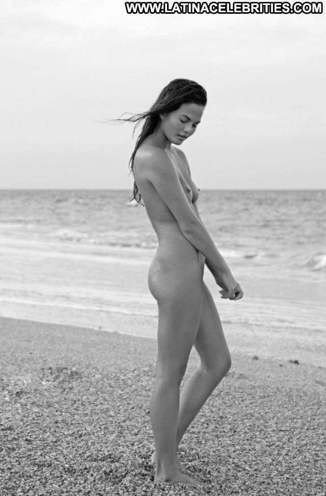 Chrissy Teigen No Source Celebrity Posing Hot Nude Babe Beautiful
