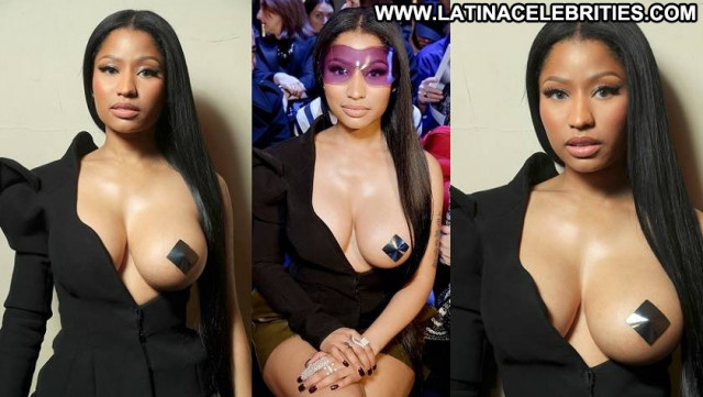 Nicki Minaj Fashion Show  Babe Black Celebrity Singer Posing Hot Old