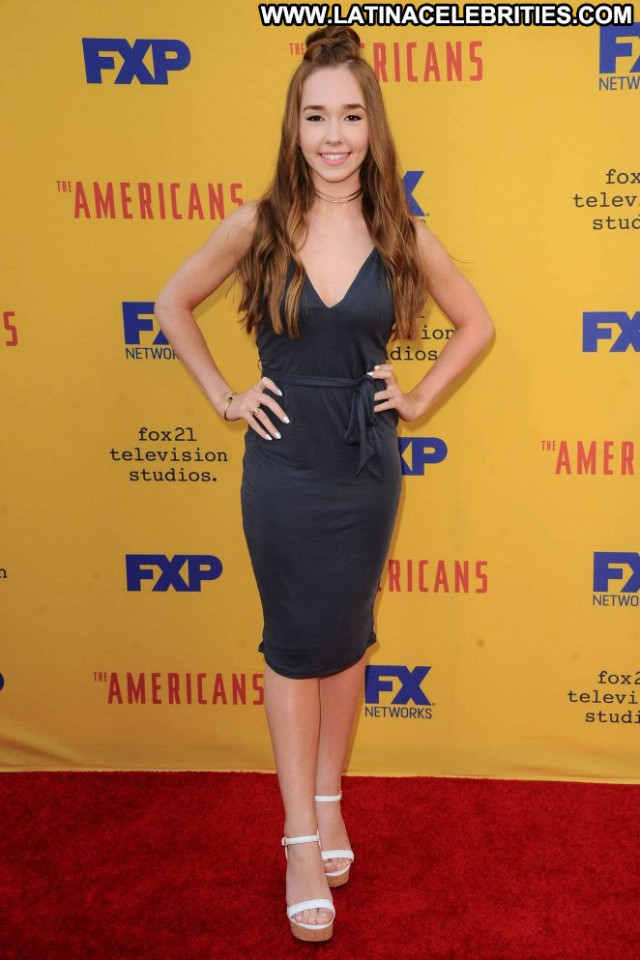 Holly Taylor The Americans Tv Show Babe Angel Posing Hot Celebrity