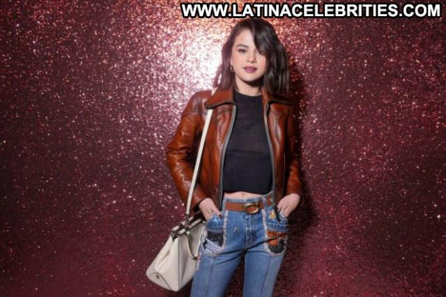 Selena Gomez Fashion Show  Posing Hot Celebrity Fashion Paparazzi