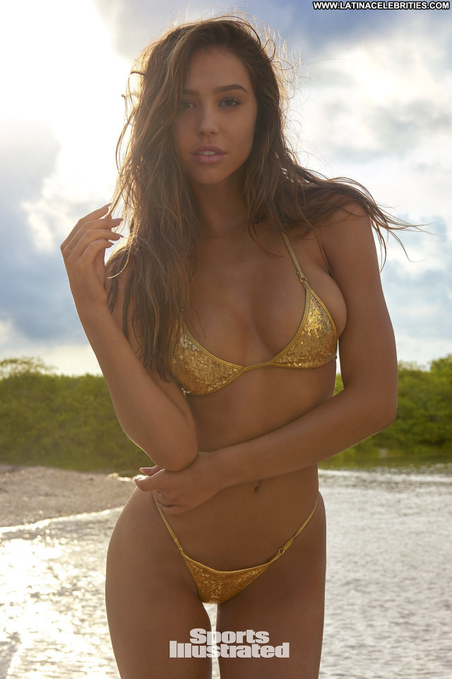 Sports Illustrated Sports Illustrated Swimsuit Lingerie Swimsuit