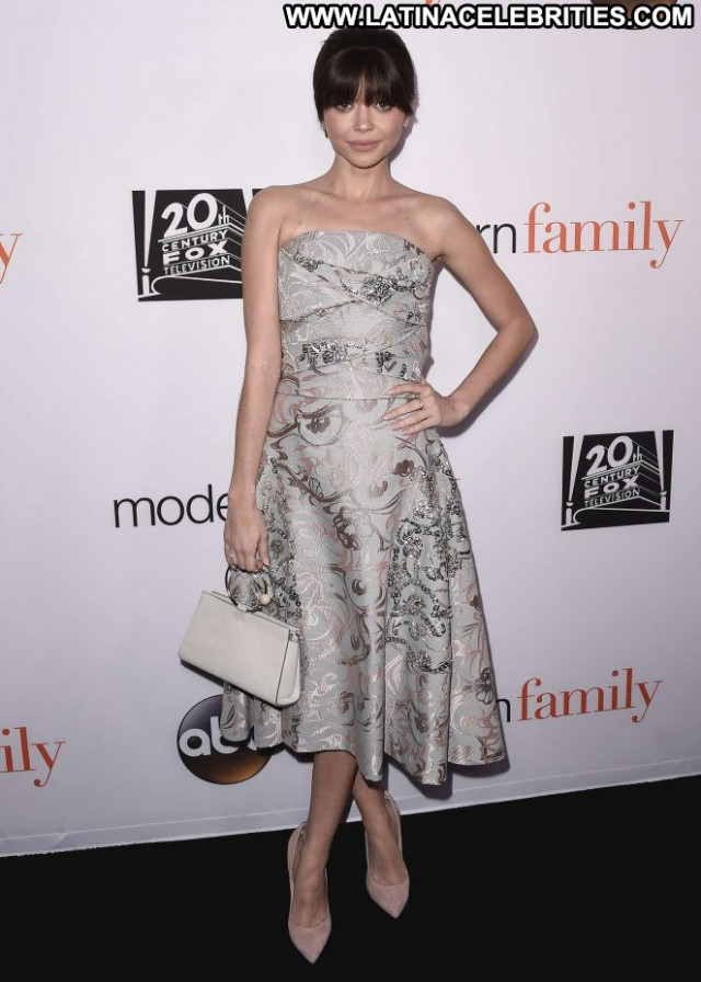 Sarah Modern Family Beautiful Babe Paparazzi Posing Hot Los Angeles
