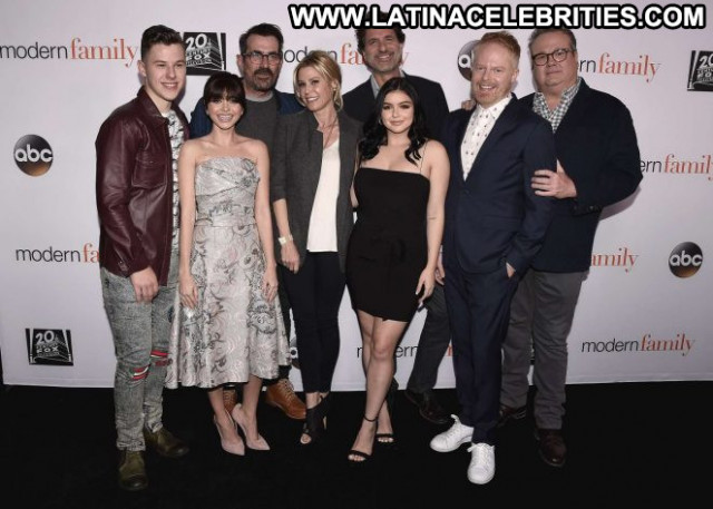 Sarah Modern Family Beautiful Celebrity Paparazzi Posing Hot Babe Los