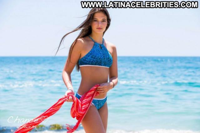 Taya Brooks E Love Babe Beautiful Celebrity Posing Hot Paparazzi