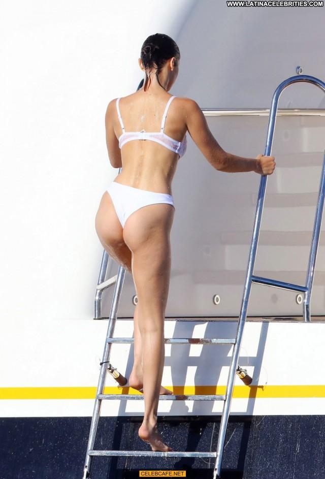 Bella Hadid No Source Babe Posing Hot Bikini Beautiful Yacht Celebrity