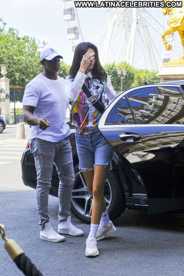 Kendall Jenner No Source Posing Hot Celebrity Shorts Denim Paparazzi