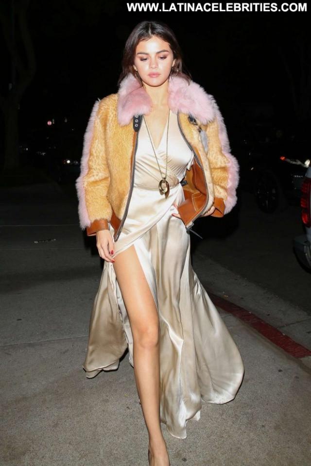 Selena Gome Los Angeles Angel Babe Los Angeles Posing Hot Celebrity