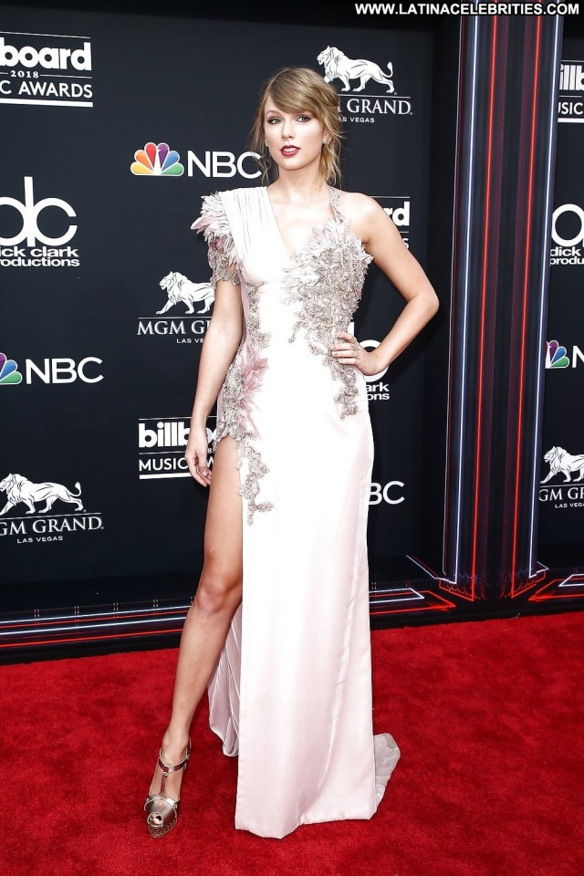 Taylor Swift No Source Celebrity Babe Posing Hot Beautiful Awards